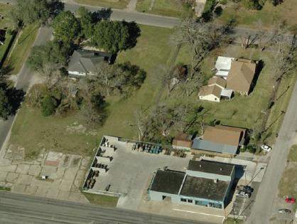 1221 7th St, Bay City, TX